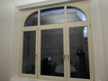 Fenêtre bois sur mesure cintrée à COLMAR