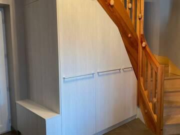 Placard en pente sous escalier à Colmar